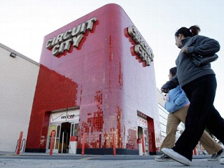Circuit City Stores said it has reached an agreement with liquidators to sell the merchandise in its 567 U.S. stores after failing to find a buyer or a refinancing deal.