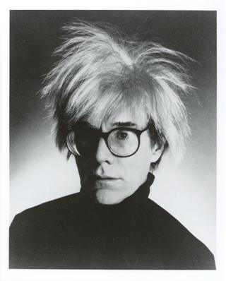 http://tothewire.files.wordpress.com/2009/08/andy-warhol-photograph-c10036912_jpeg.jpg